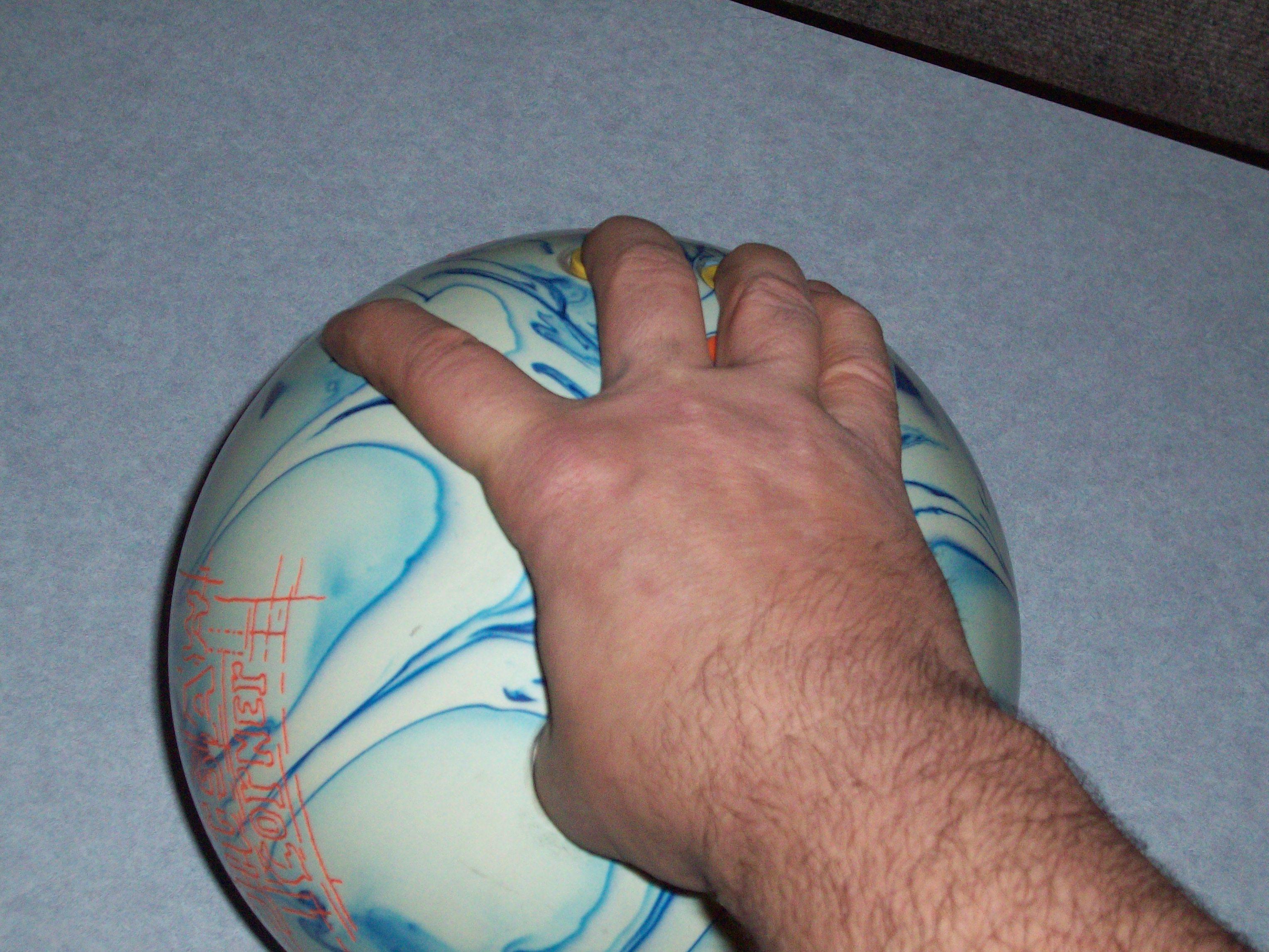 Bowling Finger Position, Wide Index Finger Position, Finger Position in Bowling, Bowling Hand Positions, Bowling Finger Positions, Bowling Wrist Positions, bowling, ball, hand, finger, wrist, positions
